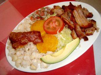 hornado-platos-tipicos-ecuador