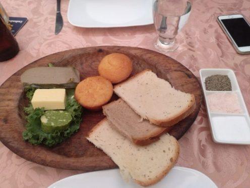tabla-aperitivos-panes-mukis-quito